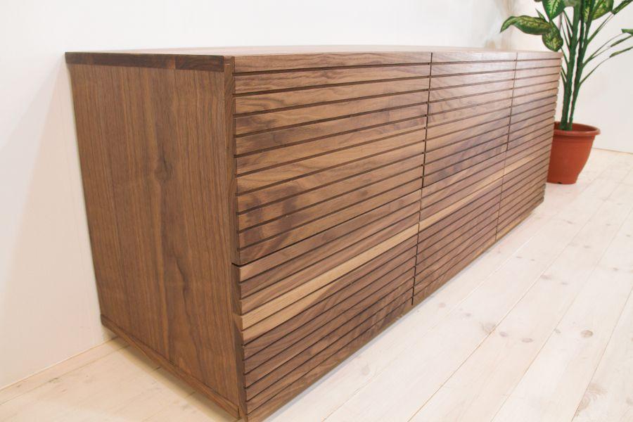 スリットデザイン 天然木、無垢使用のチェスト 風雅