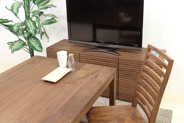 風雅チェストタイプ2はハイタイプのテレビ台として使えます。