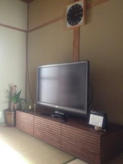 天然木・無垢のテレビ台風雅ウォールナットW1500-設置1