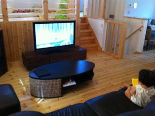 天然木・無垢を使用したテレビ台-風雅ウォールナットW1500設置事例