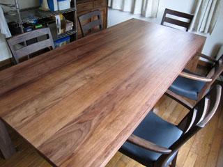 天然木・無垢のダイニングテーブルW1800ウォルナット3