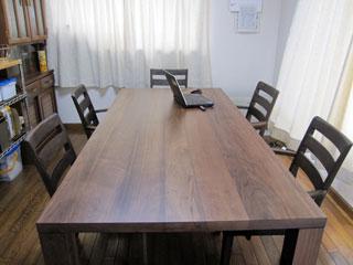 天然木・無垢のダイニングテーブルW1800ウォルナット5