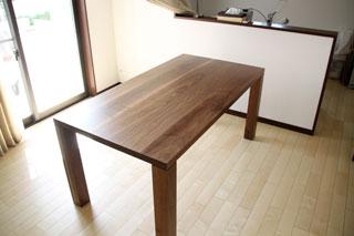 凛-天然木・無垢のダイニングテーブルW1800ウォールナット1