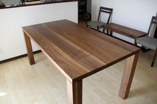 凛-天然木・無垢のダイニングテーブルW1800ウォールナット2