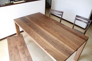 凛-天然木・無垢のダイニングテーブルW1800ウォールナット3