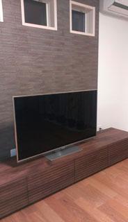 天然木・無垢のテレビボードW2400ウォールナット風雅設置1