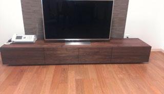 天然木・無垢のテレビボードW2400ウォールナット風雅設置2