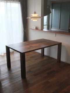天然木・無垢ダイニングテーブル-ウォールナット-彩美2