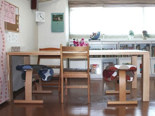 天然木・無垢のダイニングテーブル-メープル-凛2