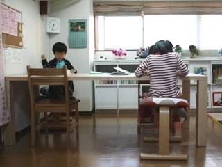 天然木・無垢のダイニングテーブル-メープル-凛3