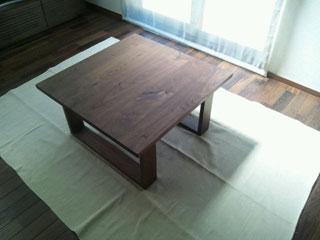 天然木・無垢のシンプルなローテーブル-ウォールナット-彩美3