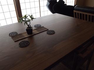 天然木・無垢のダイニングテーブル-ウォールナット凛2