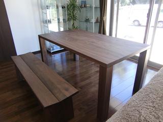 天然木・無垢のダイニングテーブル-ウォールナット-W1650-凛1