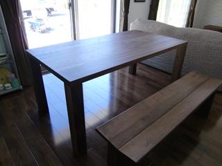 天然木・無垢のダイニングテーブル-ウォールナット-W1650-凛2