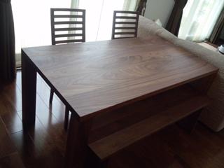 天然木・無垢のダイニングテーブル-ウォールナット-W1650-凛3