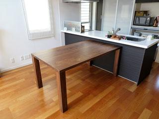 天然木・無垢のダイニングテーブル-W1650-ウォールナット-凛1