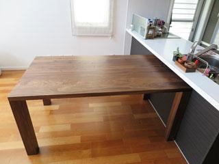 天然木・無垢のダイニングテーブル-W1650-ウォールナット-凛2