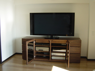 天然木ウォールナットのハイタイプテレビボード幅1800オーダー仕様2