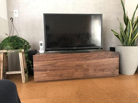 彩美TVボード1